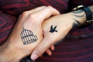 Małe tatuaże - ile kosztują?